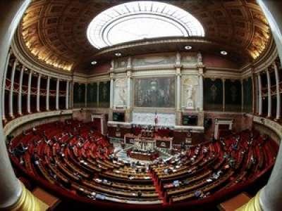 Bioéthique : l'Assemblée vote à nouveau l'ouverture de la PMA aux femmes seules et couples lesbiens