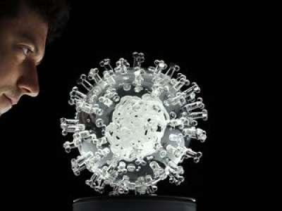 Coronavirus : «Nous pouvons basculer à tout moment», avertit le Conseil scientifique