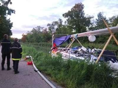 VIDEO. Tarn-et-Garonne : à Montech, leur voilier s'échoue sur le canal des Deux-Mers