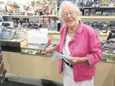 Luchon : la plus ancienne commerçante de France fête ses 102 ans