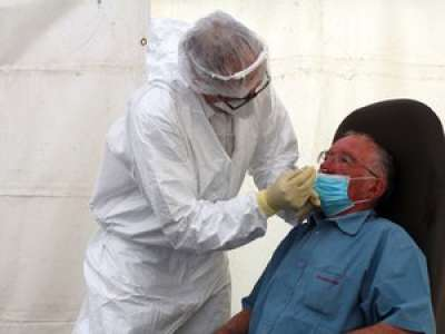 Covid-19 : des centaines de personnes pour la première opération de dépistage à Saint-Girons