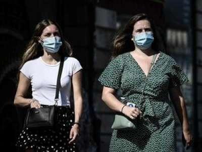 Covid-19 : plus de 13 000 contaminations en un jour, un nouveau record