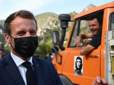 Emmanuel Macron à un chauffeur sans permis :