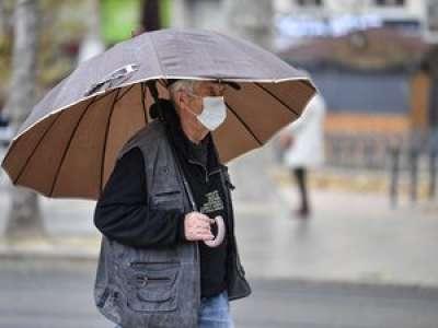 DIRECT. Coronavirus : plus de 50 000 nouveaux cas de Covid-19 en 24 heures en France, un nouveau record