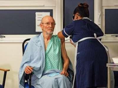 Royaume-Uni : le deuxième patient vacciné contre le Covid-19 s'appelle... William Shakespeare