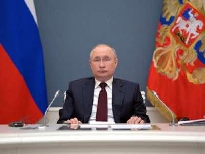 Macron coupé par le discours de Poutine en visio, un moment très gênant au Sommet sur le climat
