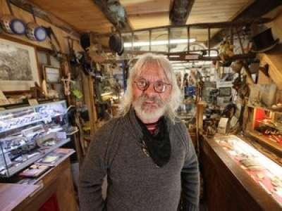 Aveyron : à Najac, Régis Najac a fait de son nom un atout pour ses couteaux