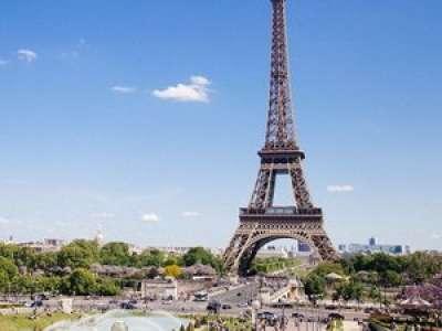 À Paris, un