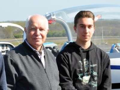 Lot : à 16 ans, un lycéen de Cahors devient le plus jeune pilote de France