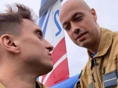 Défilé du 14-Juillet : McFly & Carlito ont volé avec la Patrouille de France
