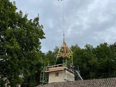 Lot : un hélicoptère sur le chantier du château de La Devie à Belmontet