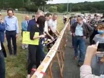 Mayenne : le record du monde du plus long sandwich aux rillettes battu avec 81,2 mètres