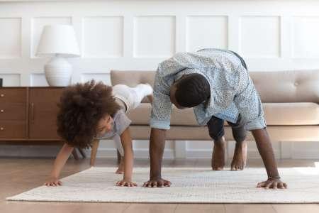 Sport à la maison avec les enfants: 9idées à tester en confinement