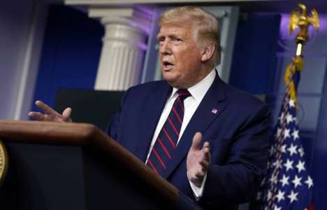 Etats-Unis: Donald Trump demande à un journaliste d'enlever son masque, ce dernier préfère parler plus fort