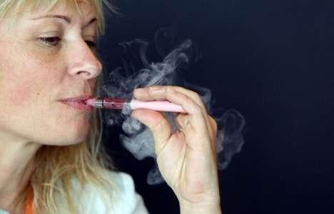 Tabac: Les deux-tiers des vapoteurs sont également des fumeurs