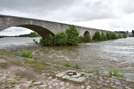 Podcast            Le Chat et le diable, récit audio de la légende extraordinaire du pont de Beaugency