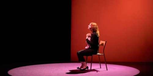 Théâtre: dans «La Visite», Lolita Chammah a le mal de mère
