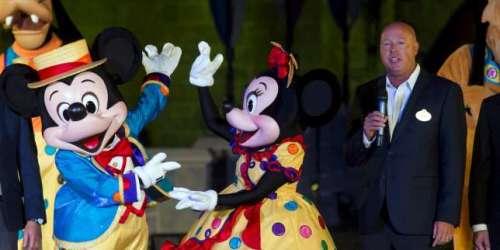 Disney : « Au royaume enchanté, le roi Iger partage sa couronne »