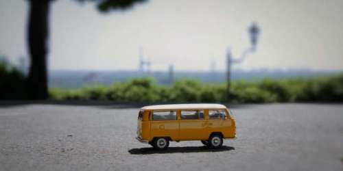 «En camping-car, une histoire de nos vacances», sur France5: Ivan Jablonka sur la route du bonheur en Combi VW