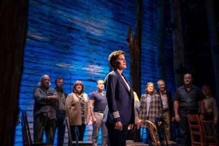 Apple TV+ : voici la bande-annonce du spectacle musical Come From Away
