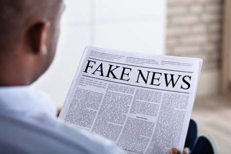 Facebook annonce avoir bloqué 3000 comptes spécialisés dans les fake news sur le vaccin