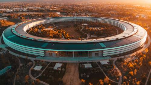 Apple interdit à ses employés de discuter autour de l'équité salariale
