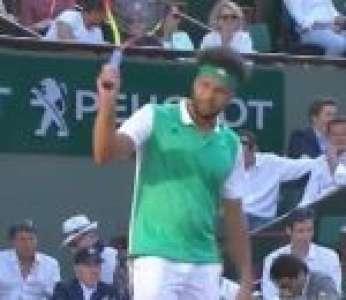 Un spectateur crie « Hey Jo, t'es pas venu ici pour souffrir, ok ? » à Jo-Wilfried Tsonga (Roland-Garros)