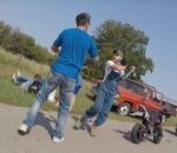 Un violent Road Rage entre des motards et des Hillbillies (États-Unis)
