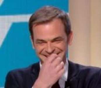Le fou rire d'Olivier Véran face au vaccin « Fister » de Louis Alliot (Quotidien)