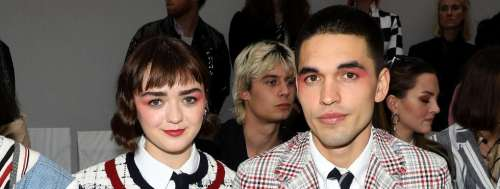 Maisie Williams (Game of Thrones) en couple avec Reuben Selby, ils font sensation à la Fashion Week de Paris