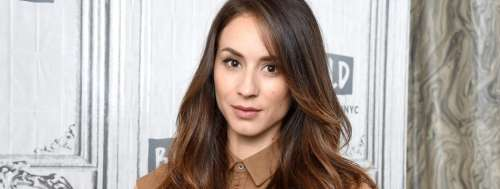 Troian Bellisario (Pretty Little Liars) consciente que les intrigues de la série étaient dingues ? Ses confidences hilarantes