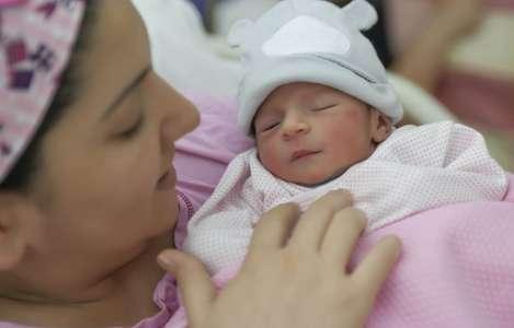 L'Ordre des sages-femmes suspend les accouchements à domicile