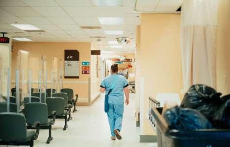 Davantage d'infirmières à temps plein, priorité de Dubé