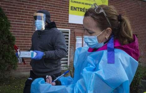 Près de 17000 travailleurs québécois de la santé frappés par la COVID-19