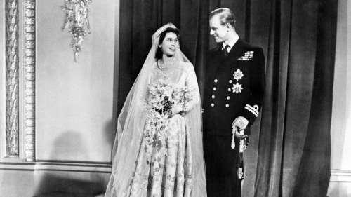 Elizabeth II et le prince Philip fêtent leurs 73 ans de mariage avec l'aide de George, Charlotte et Louis