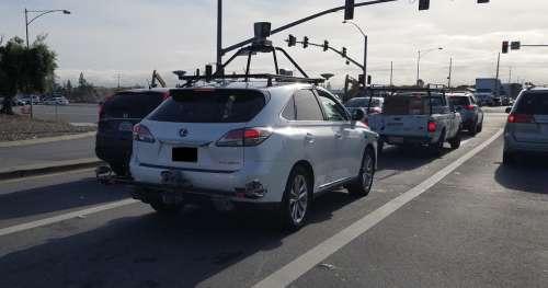 Deux voitures autonomes d'Apple ont été impliquées dans des petits accidents