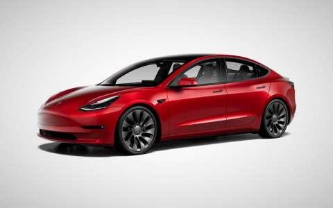 Elon Musk (Tesla) tacle Apple et ses pratiques