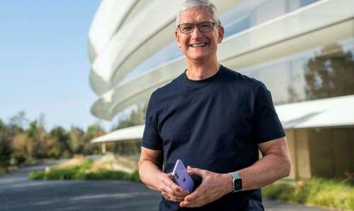 Keynote iPhone 13 : Tim Cook semble teaser les appels via satellite