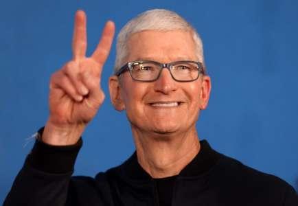Keynote Apple : Tim Cook est prêt pour le nouveau MacBook Pro