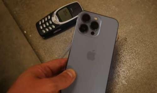 iPhone 13 Pro vs Nokia 3310 : après une chute de 20 étages, le plus solide est…