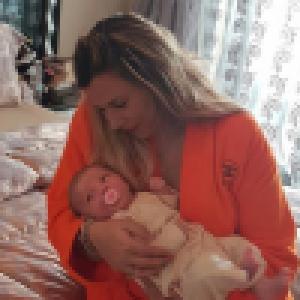 Marion Bartoli : À Roland-Garros, elle présente son bébé à une légende du tennis