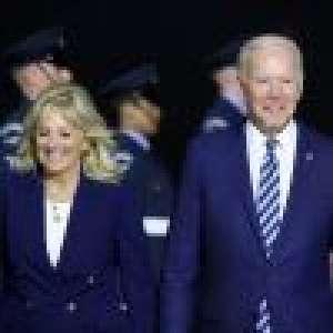 Joe et Jill Biden assortis : arrivée remarquée au Royaume-Uni, de larges sourires malgré des tensions