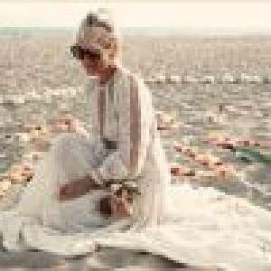 Laeticia Hallyday : Cérémonie hommage à Johnny sur la plage, avec Jade et Joy