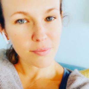 Lorie Pester : Sa fille Nina avec elle sur le tournage de Demain nous appartient