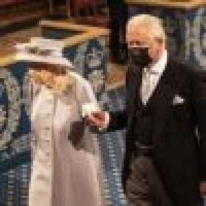 Elizabeth II main dans la main avec Charles : la reine de retour après le décès de son mari Philip