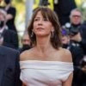 Sophie Marceau enfin de retour à Cannes : décolleté sensuel et robe moulante, l'actrice rayonne