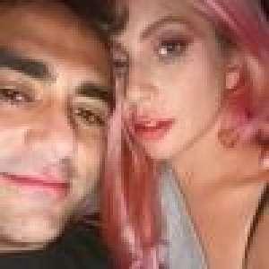 Lady Gaga pose avec son nouveau chéri Michael Polansky et fait une annonce...