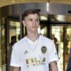 Romeo Beckham taquiné par son père David pour son nouveau look