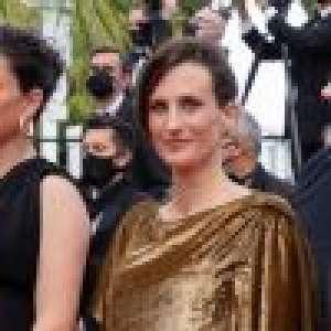Cannes 2021 : Camille Cottin drapée d'une robe couleur bronze, elle illumine la Croisette