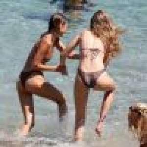 Gigi et Bella Hadid : Combat de lutte en bikini à Mykonos
